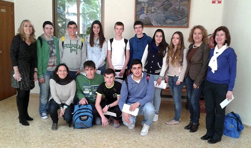 Las cooperativas «Store's Eleven» y «Miliunacosetes» visitan el ayuntamiento de Alcàsser con el proyecto pionero Escuela de Emprendedores Sostenibles.